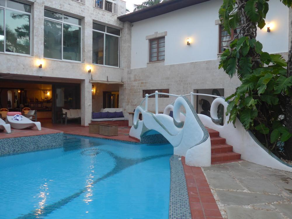 Best beach hotel in Lamu beach